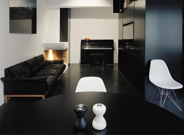 Black Minimalism by Erik Andersson Architects
