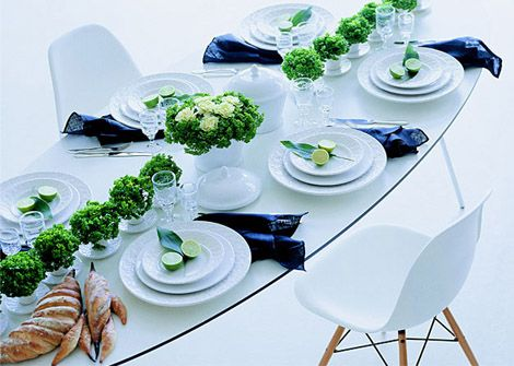 Decoration for a holiday table from Mateus
