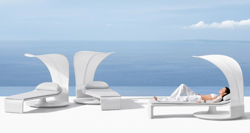 Summer Cloud – Curved Outdoor Lounger By Dedon