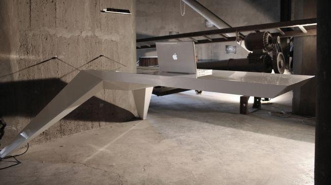 E.L.A – Amazing Futuristic Desk by Jovo Bozhinovski