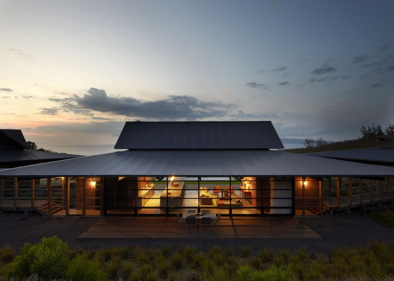 Slaughterhouse – Beach House in Maui by Olson Kundig Architects