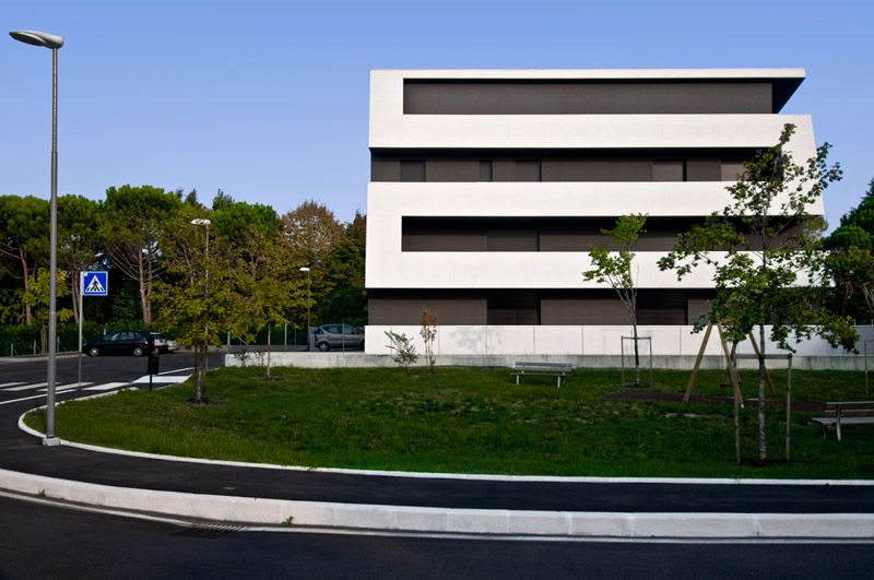 Modern Residential Building in Cesena, Italy by tissellistudioarchitetti