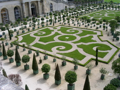 Amazing Gardens with Figures from Plants 10