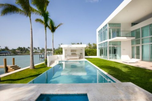 House in Miami - Interior Design in White 2