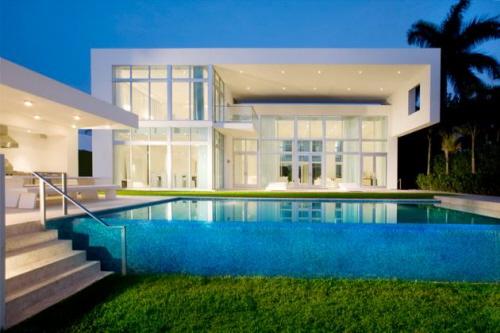 House in miami interior design in white best home news for Miami home design usa
