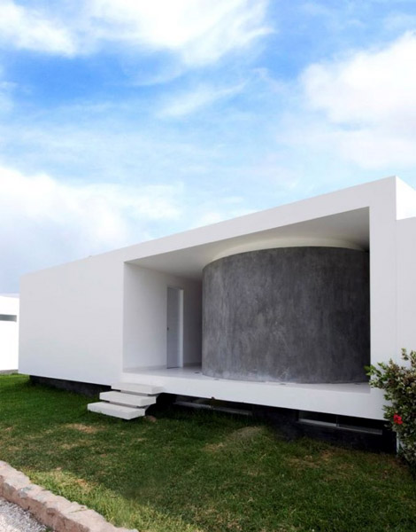 House on The Palabritas Beach by Jose Orrego 8