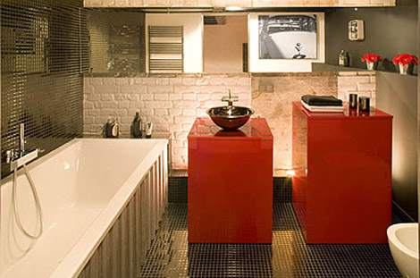 Eccentric Apartment Interior with Red Accents 8