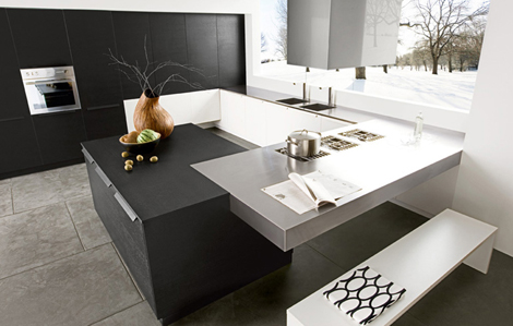 Modern Italian Kitchen in Black by Futura Cucine 2