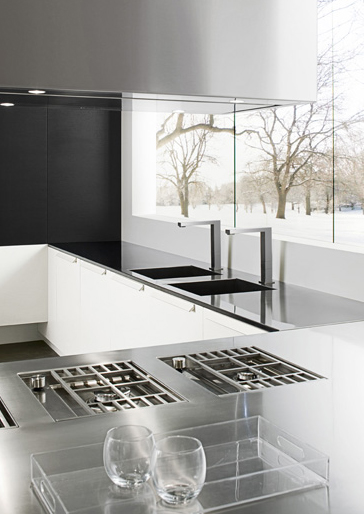 Modern Italian Kitchen in Black by Futura Cucine 5