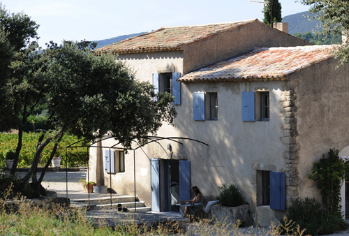 Cottage house in luberon france best home news ll for French provence style homes