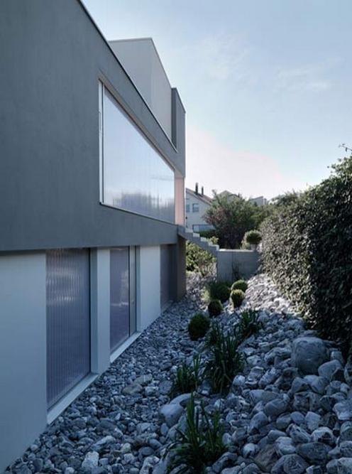 Feldbalz - Minimalist Residence by Gus Wustemann