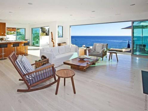 Modern Beach Villa in Malibu, California