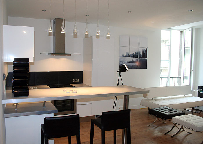 Modern Small Apartment in Black and White | Best Home News - Аll ...