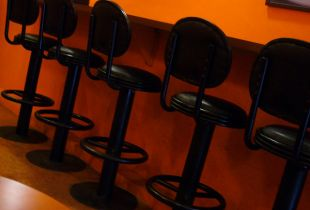 Use Bar Stools To Make The Kitchen Even More Cozy And Functional